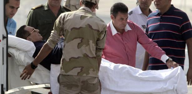Egito adia para novembro a sentença de Mubarak