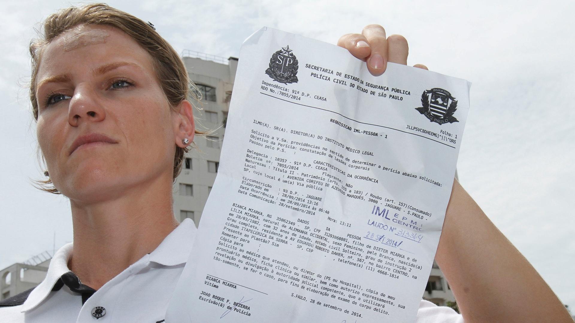 30.set.2014 - A remadora Bianca Miarka, 32, foi espancada por dois assaltantes em frente a um dos portões da USP, no Butantã (zona oeste de São Paulo), na manhã deste domingo (28), quando chegava à universidade para disputar o campeonato brasileiro de remo, realizado na raia olímpica da universidade