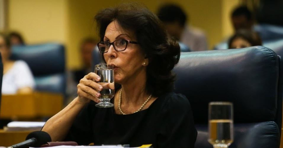 9.out.2014 - A presidente da Sabesp (Companhia de Saneamento Básico do Estado de São Paulo), Dilma Pena, presta depoimento na quarta-feira (8) na CPI (Comissão Permanente de Inquérito) da Câmara Municipal que investiga queixas de falta de água na capital paulista