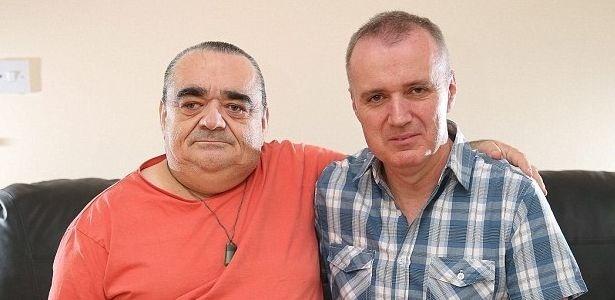 David Horner (esq.), 53, e Stuart Horner, 49, se reencontraram após 25 anos
