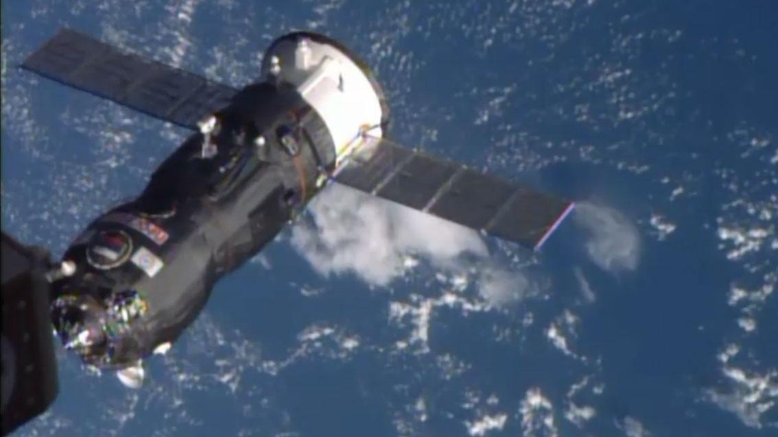 29.out.2014 - CARGUEIRO RUSSO NA ISS - O cargueiro espacial russo, com quase três toneladas de carga, se acoplou nesta quinta-feira (29) com sucesso à Estação Espacial Internacional (ISS, na sigla em inglês), segundo a Nasa. O cargueiro leva alimentos, água, oxigênio, além de equipamentos científicos e material de manutenção para os astronautas da ISS