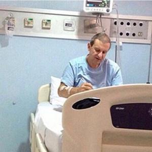 O doleiro foi internado no domingo após uma queda na pressão arterial