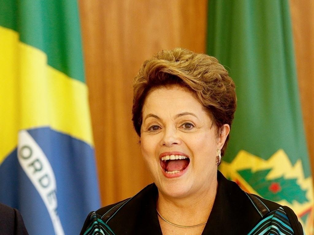 10.nov.2014 - A presidente Dilma Rousseff recebeu as credenciais de 32 embaixadores nesta segunda-feira (10) em uma cerimônia fechada no Palácio do Planalto. O evento aconteceu após reclamações por parte dos diplomatas que atuam no Brasil há meses e ainda não tinham tido a oportunidade de apresentar suas credenciais