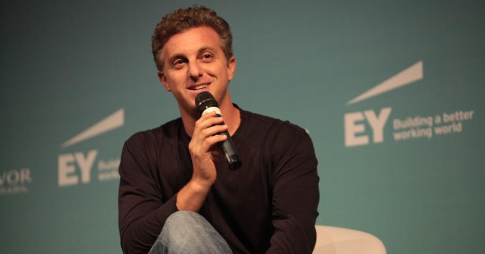 Luciano Huck, durante evento organizado pela Endeavor Brasil e Ernst Young