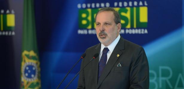 Resultado de imagem para senador Armando Monteiro