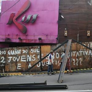Fachada da boate Kiss após o incêndio e interdição