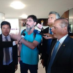 O cantor Lobão chegou ao Congresso Nacional na manhã desta quarta-feira para apoiar os manifestantes que foram expulsos