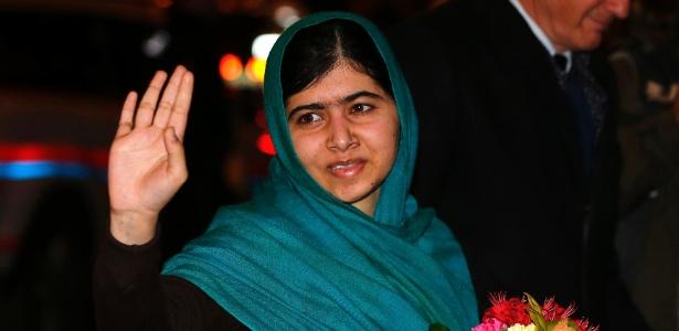 8.dez.2014 - A laureada com o prêmio Nobel da Paz Malala Yousafzai chegou a Oslo, na Noruega, na segunda-feira (8), para receber a premiação na cerimônia que acontece hoje (10)