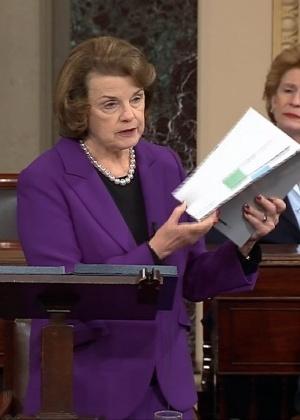 A presidente do Comitê de Inteligência do Senado, Dianne Feinstein, discute relatório sobre táticas antiterrorismo da CIA