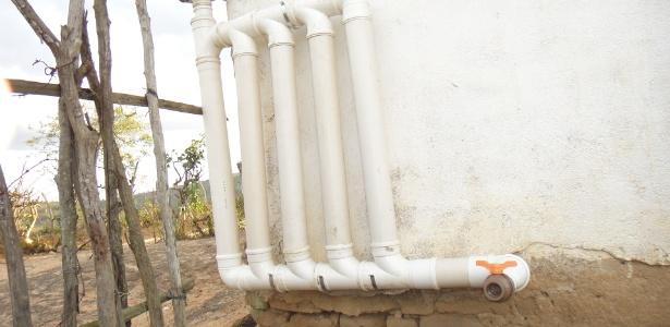 9.dez.2014 - Desviufpe, dispositivo criado em uma pesquisa da Ufpe, retém água suja e leva água limpa das chuvas para cisternas