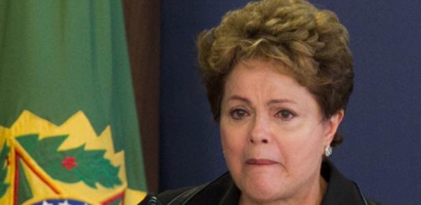 Dilma chorou ao discursar nesta quarta-feira (10) durante cerimônia com a Comissão Nacional da Verdade