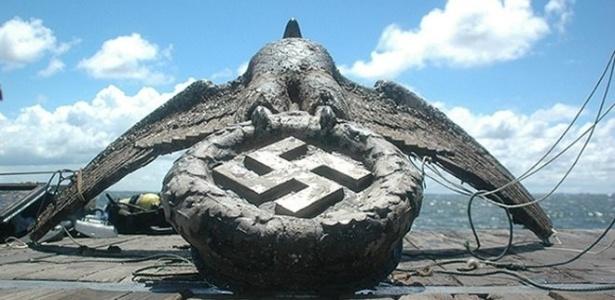 Águia de bronze de 4 t e 2 m de altura que decorava a popa do Admiral Graf Spee