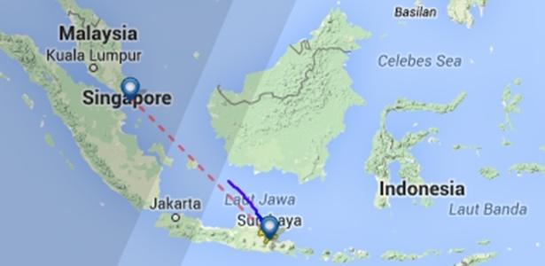 Mapa do site fligtradar24.com mostra o local do último contato (linha azul) que o avião fez