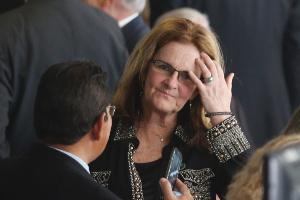 A ainda presidente da Petrobras, Graça Foster, será substituída do cargo. O governo ainda estuda nomes que possam ocupar a função.