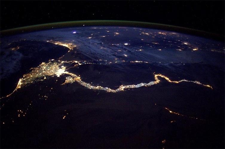 5.jan.2015 - Região do delta do rio Nilo, onde ele se divide em vários braços para desaguar no mar Mediterrâneo, no norte do Egito, é fotografada da Estação Espacial Internacional (ISS, na sigla em inglês)