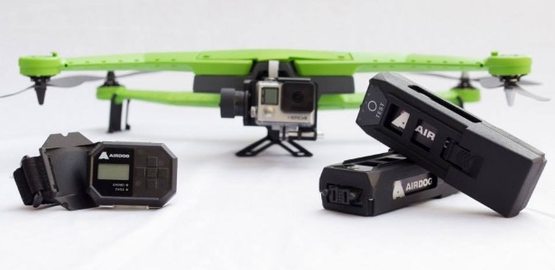 Drone AirDog serve de suporte para câmera GoPro e grava vídeos automaticamente do usuário