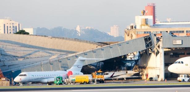 Imagens Raio Aeroporto : Sem luz na pista aeroporto de congonhas para por h