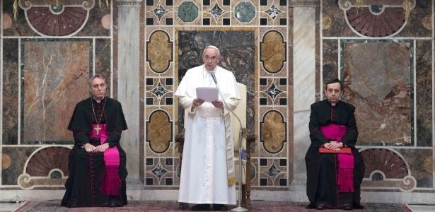 """Papa pediu que """"dirigentes religiosos, políticos e intelectuais, especialmente muçulmanos"""" condenem """"qualquer interpretação fundamentalista e extremista da religião que justifique"""" a violência"""