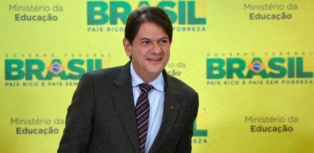 O ministro da Educação, Cid Gomes, defendeu a portaria publicada em dezembro do ano passado que dificulta o acesso ao Fies