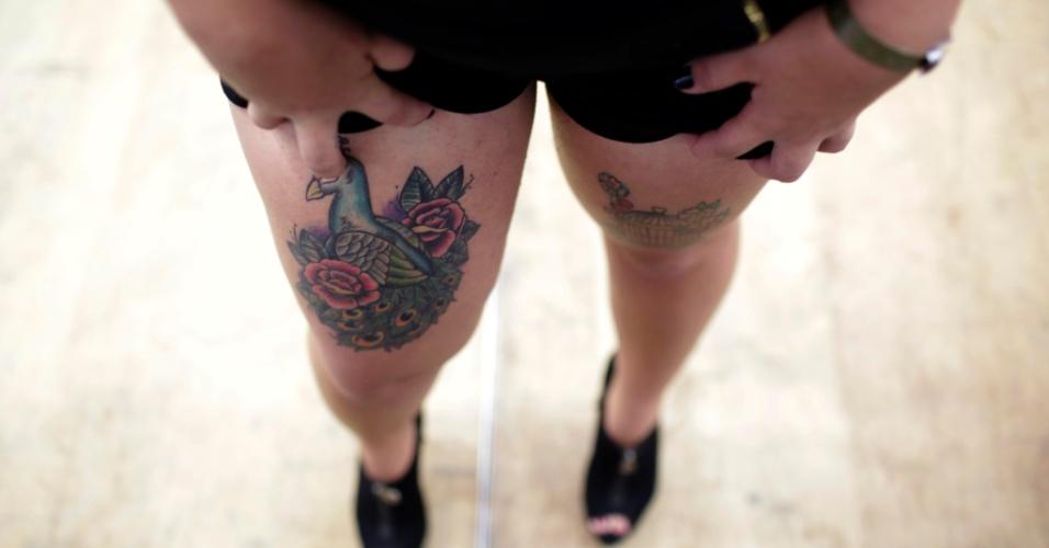 18.jan.2015 - Detalhe das tatuagens de participante do concurso Miss Tattoo 2015, realizado na Tattoo Week, no Centro de Convenções Sulamérica, no centro do Rio de Janeiro (RJ). A Tattoo Week é a maior feira brasileira de tatuagens e também recebe apresentações musicas, de cosplay e modificações corporais