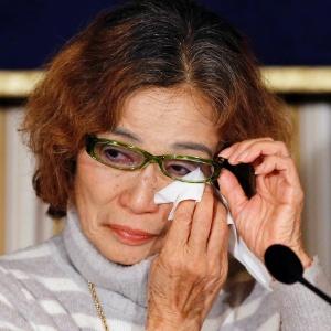 """""""Por favor, salvem a vida de Kenji"""", pediu Junko Ishido, mãe do jornalista Kenji Goto, ao governo do Japão"""