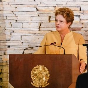 """""""[Dilma] precisa explicar o que sabia e quando soube"""", afirma editorial do jornal britânico """"Financial Times"""""""