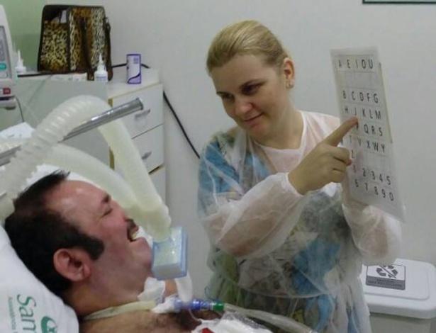 Adriana,31, e o marido Wellington, 57, diagnosticado com esclerose lateral amiotrófica (Ela)