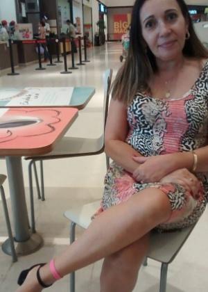 A escriturária Lourdes Guimaraes, 50, usa uma pulseira no tornozelo como prevenção, e para evitar o cheiro forte
