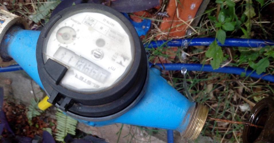 19.fev.2015 - Sanepar registra mais de 500 casos de furto de água em Ponta Grossa em 2014. Apenas em janeiro deste ano foram 37 casos. O órgão pede que a população ajude no combate às fraudes denunciando atitudes suspeitas
