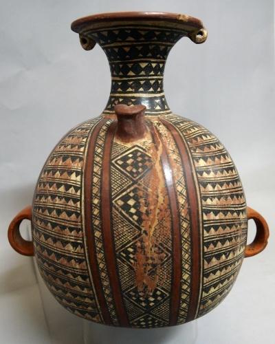 12.mar.2015 Cerâmica pré-incaica em exposição no museu Puruchuco, em Lima, no Peru. Puruchuco é uma palavra quéchua que significa