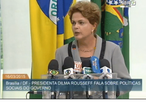 Presidente Dilma Rousseff afirma que governo cometeu um erro no Fies