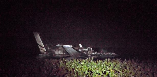 As dez pessoas a bordo da aeronave morreram, de acordo com o serviço de resgate