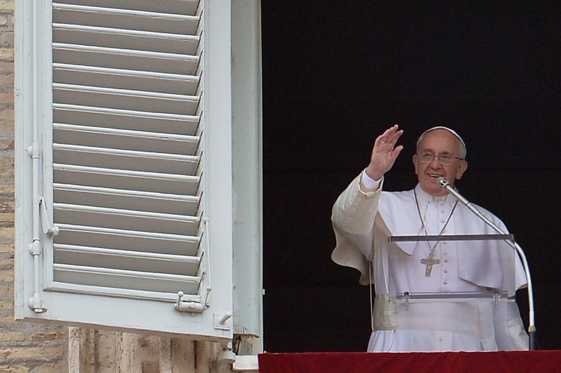 22.mar.2015 - O papa Francisco fez neste domingo (22) uma chamada à comunidade internacional para que proteja a água e garanta seu acesso universal, no Dia Internacional de Água, promovido pelas Nações Unidas.