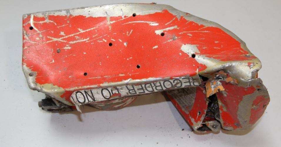 25.mar.2015 - Imagem do gravador de voz da caixa preta do Airbus A320 que caiu na terça-feira (24) nos alpes franceses. O ministro do Interior da França, Bernard Cazeneuve, reconheceu nesta quarta-feira (25) que a caixa-preta do avião da companhia aérea Germanwings que caiu ontem nos Alpes franceses está danificada, mas que será possível analisá-la