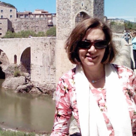 25.mar.2015 - Pilar Vicente Sebastián, 55, era ex-diretora de um colégio na área metropolitana de Valencia, na Espanha. Ela estava em Barcelona, onde trabalha o seu marido, e de lá seguia para Alemanha para visitar os filhos que moram no país quando o avião caiu