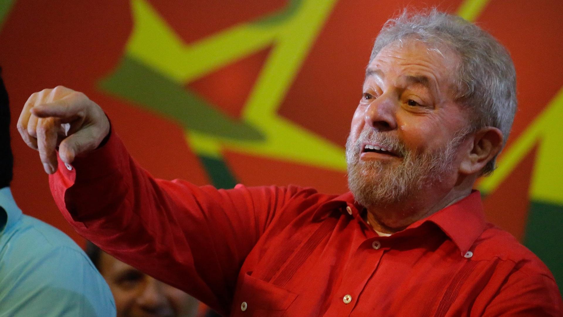 31.mar.2015 - O ex-presidente Luiz Inácio Lula da Silva participa de ato político organizado pelo PT e por diversos movimentos sociais, intitulado