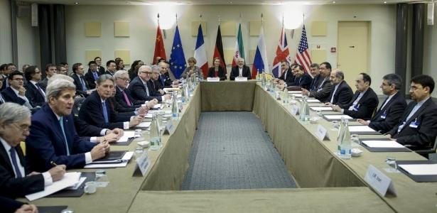 """Várias das novas invasões do Duqu 2.0 aconteceram em 2014 e 2015, ligadas às conversações do """"P5 + 1"""" ?-as negociações diplomáticas em andamento desde 2006 entre a Inglaterra, Estados Unidos, China, França, Rússia e Alemanha, com o objetivo de chegar a um acordo com o Irã sobre seu programa nuclear"""