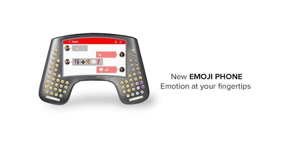 """2015 - A operadora de telefonia Vodafone lançou durante o Dia da Mentira o """"Emoji Phone"""", um aparelho para quem adora se comunicar com os símbolos gráficos. Em vez de teclas, o dispositivo conta apenas com as carinhas de emoji"""