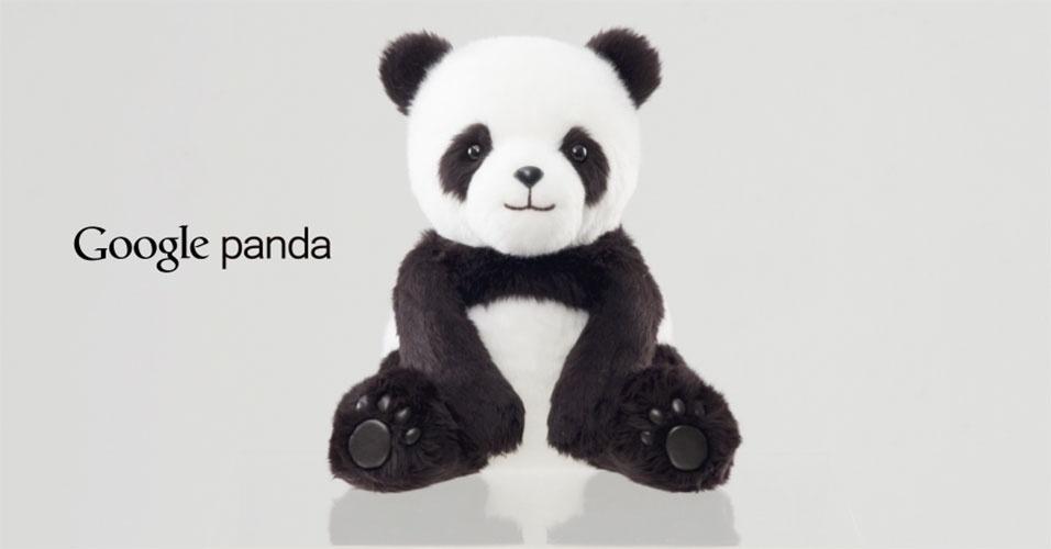 """2015 - O Google quer mudar a forma como as crianças fazem buscas. Para isso, criou o Google Panda, um bicho de estimação fofo que responde às perguntas feitas pelos pequenos. """"É um produto brilhante, pois sabe de tudo e você ainda vai querer abraçá-lo"""", diz o anúncio do Dia da Mentira da companhia"""
