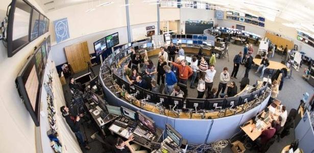 O grande colisor de hádrons (LHC) voltou a funcionar no início de abril, após ficar dois anos sob revisão e conserto. Entre as expectativas dos cientistas para os próximos anos está conseguir novas pistas sobre a matéria escura, que acredita-se compor 96% do universo