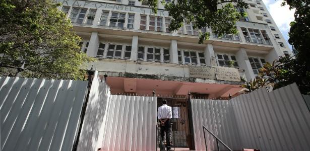 O prédio, situado na zona sul do Rio, foi ocupado por cerca de 100 pessoas na terça