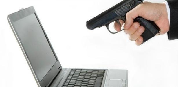 Americano é preso por 'matar' seu computador a tiros