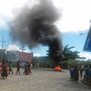 Protesto contra a morte de Adenilson da Silva Nascimento, do povo Tupinambá, na Bahia