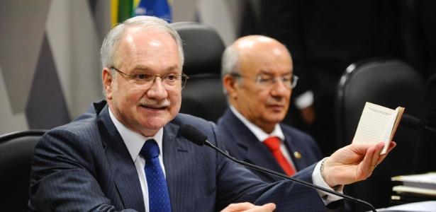 Comissão do Senado analisa indicação de Luiz Edson Fachin para exercer o cargo de ministro do Supremo Tribunal Federal na vaga decorrente da aposentadoria do ministro Joaquim Barbosa