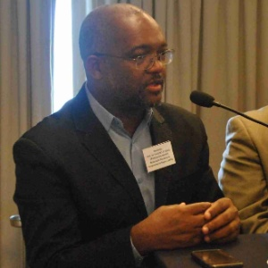 O presidente da Associação Brasileira de Pesquisadores Negros (ABPN), Paulino Cardoso, defende maior presença de negros e pardos na pós-graduação