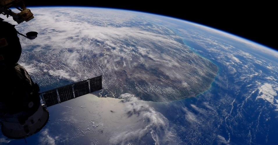 15.mai.2015 - A astronauta Sam Cristoforetti postou em sua conta no Twitter nesta sexta-feira (15) uma foto do nordeste do Brasil visto do espaço. A foto foi tirada a bordo da Estação Espacial Internacional (ISS), na sigla em inglês