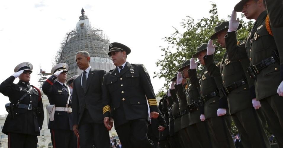 15.mar.2015 - Obama participa nesta sexta-feira (15) da homenagem a combatentes do Exército dos Estados Unidos que morreram em combate