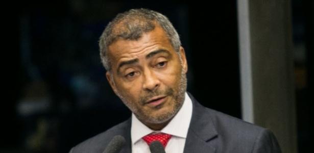 Senador Romário (PSB-RJ) preside a Comissão Parlamentar de Inquérito do futebol