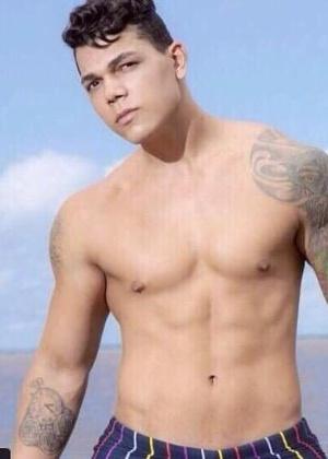 O modelo Sergio Luiz Ribeiro da Silva