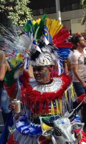 7.jun.2015 - Participantes da 19ª edição da Parada Gay de São Paulo, que acontece neste domingo (7), no centro da capital paulista, ousaram nas fantasias. A foto foi enviada pelo internauta Gustavo Bonotto Miguel para o WhatsApp do UOL (11) 97500 1925